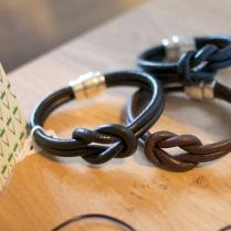 Bracelet en cuir noeud marin 10€